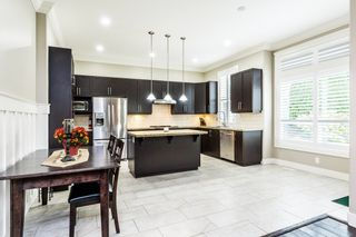 """Photo 3: 6074 163B Street in Surrey: Cloverdale BC House for sale in """"West Cloverdale"""" (Cloverdale)  : MLS®# R2624058"""