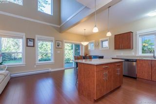 Photo 5: 2307 Chilco Rd in VICTORIA: VR Six Mile House for sale (View Royal)  : MLS®# 808892