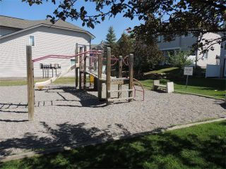 Photo 26: 37 MILLVIEW Green SW in Calgary: Millrise House for sale : MLS®# C4015611