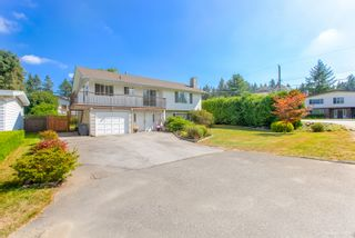 """Photo 3: 681 EASTERBROOK Street in Coquitlam: Coquitlam West House for sale in """"COQUITLAM WEST"""" : MLS®# R2403456"""