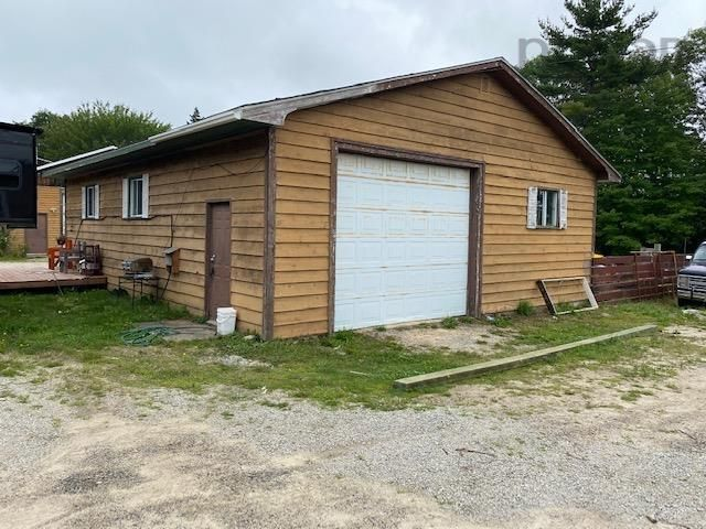 Photo 15: Photos: 327 Highway 3 in Simms Settlement: 405-Lunenburg County Residential for sale (South Shore)  : MLS®# 202120797