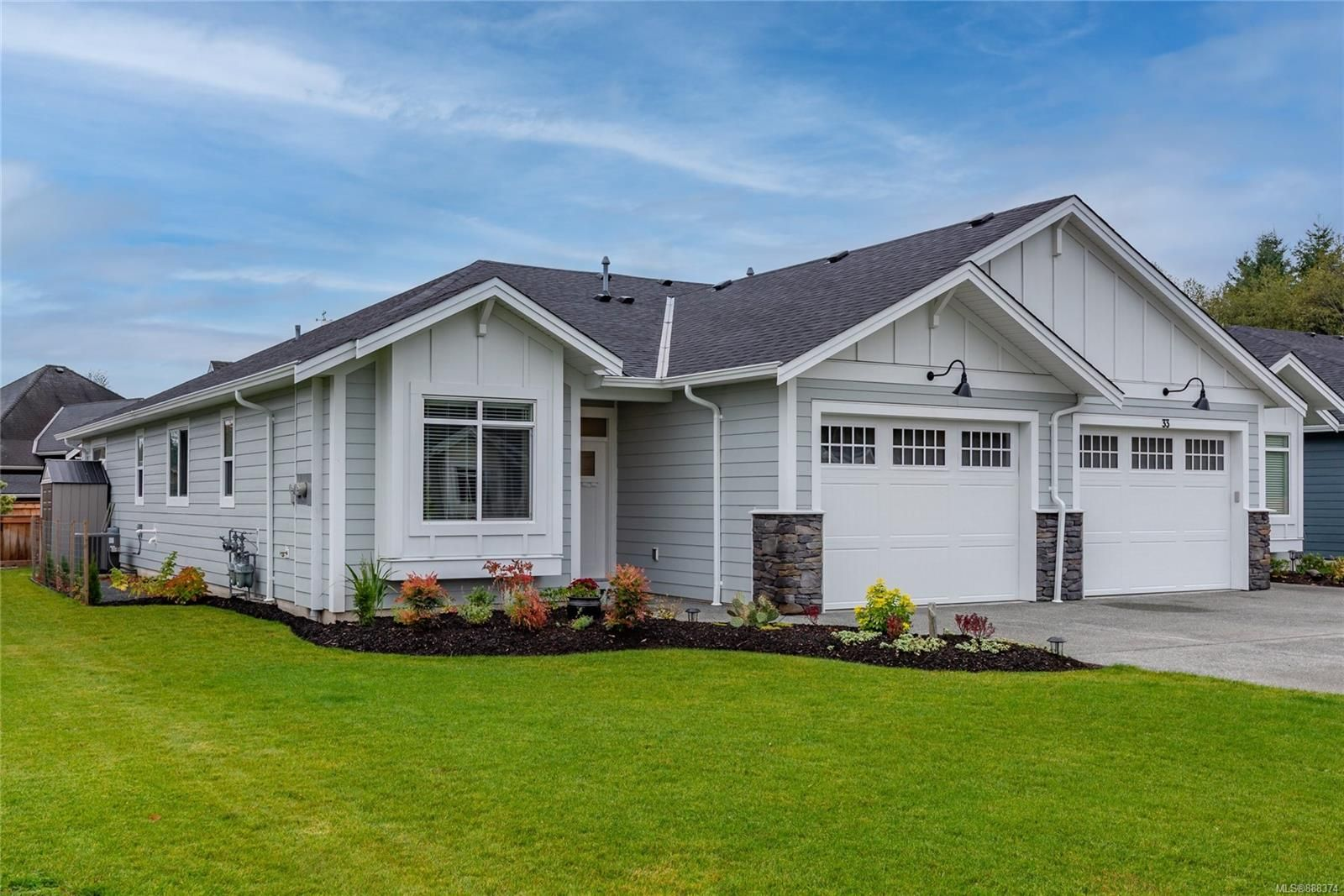 Main Photo: 34 200 Nikola Rd in Campbell River: CR Campbell River West Half Duplex for sale : MLS®# 888374