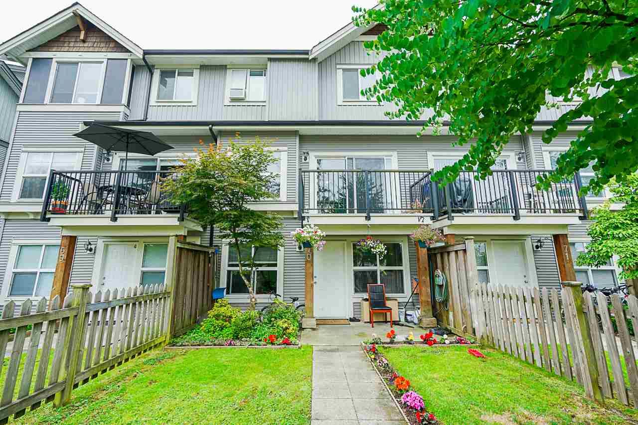"Main Photo: 70 12677 63 Avenue in Surrey: Panorama Ridge Townhouse for sale in ""SUNDRIDGE ESTATES"" : MLS®# R2396644"