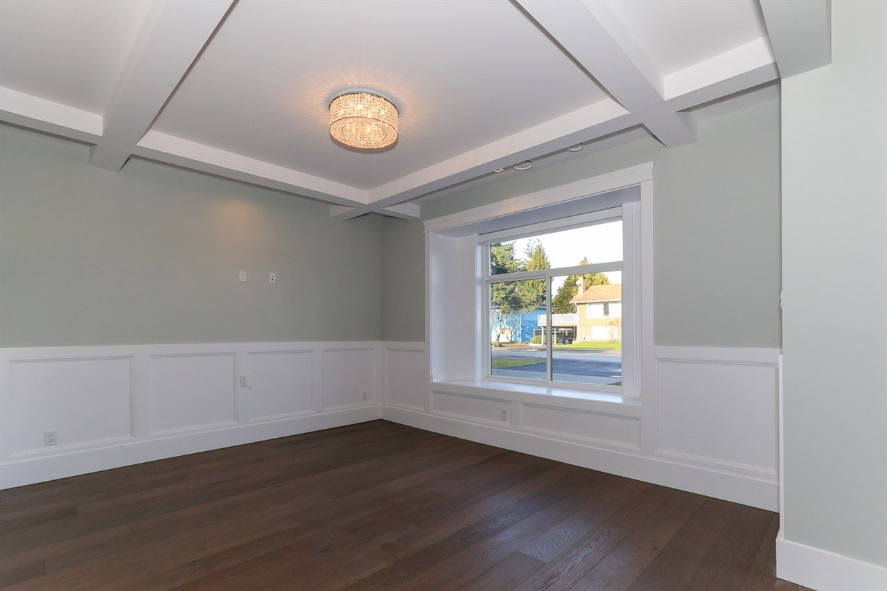 Photo 2: Photos: 5122 44 AVENUE in Delta: Ladner Elementary House for sale (Ladner)  : MLS®# R2024397