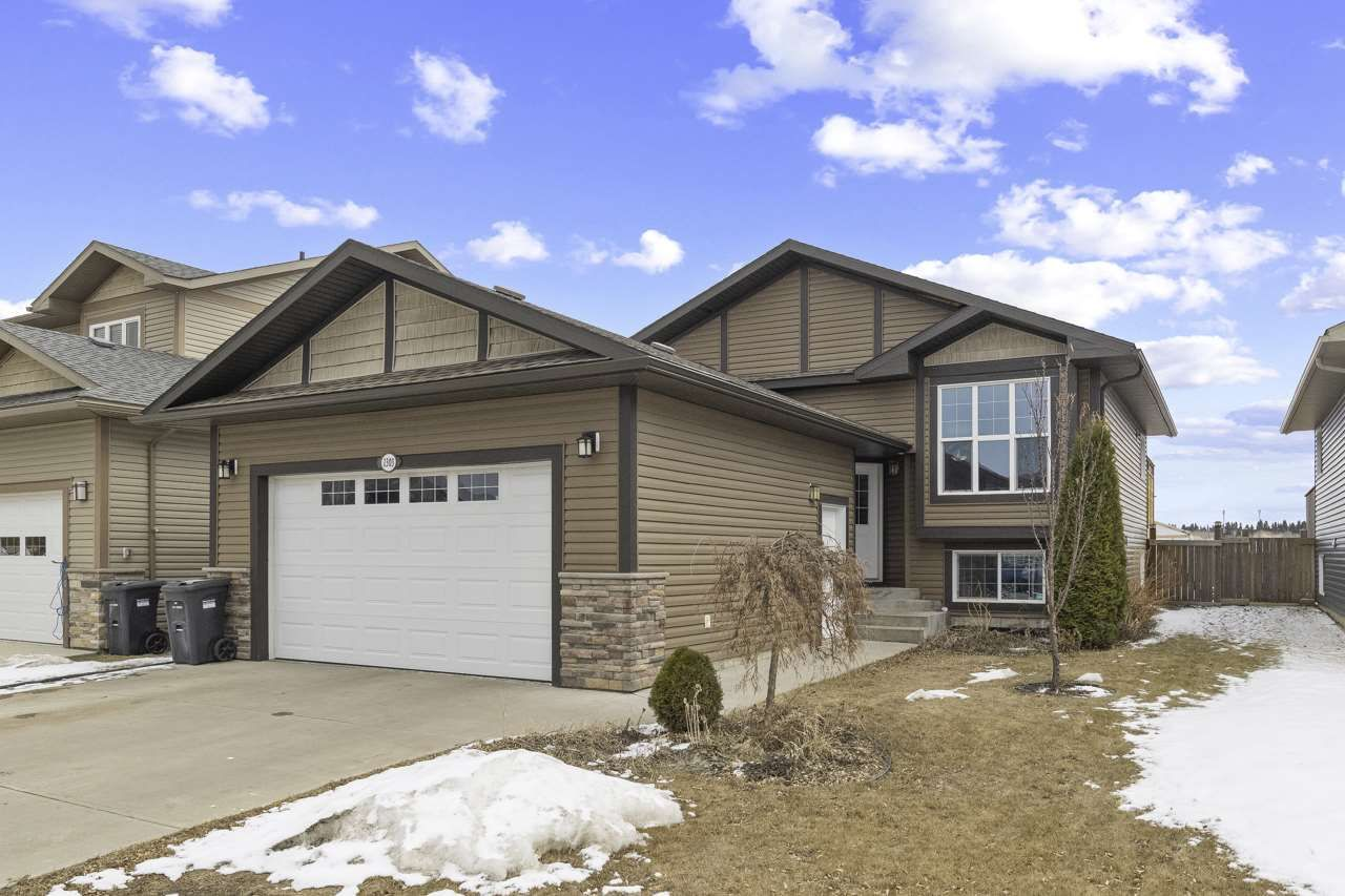 Main Photo: 1303 Wildrye Way: Cold Lake House for sale : MLS®# E4235280