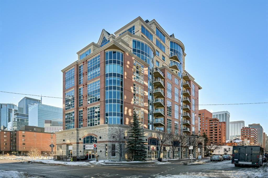 Main Photo: 104 7 Street SW in Calgary: Eau Claire Retail for sale : MLS®# A1153440