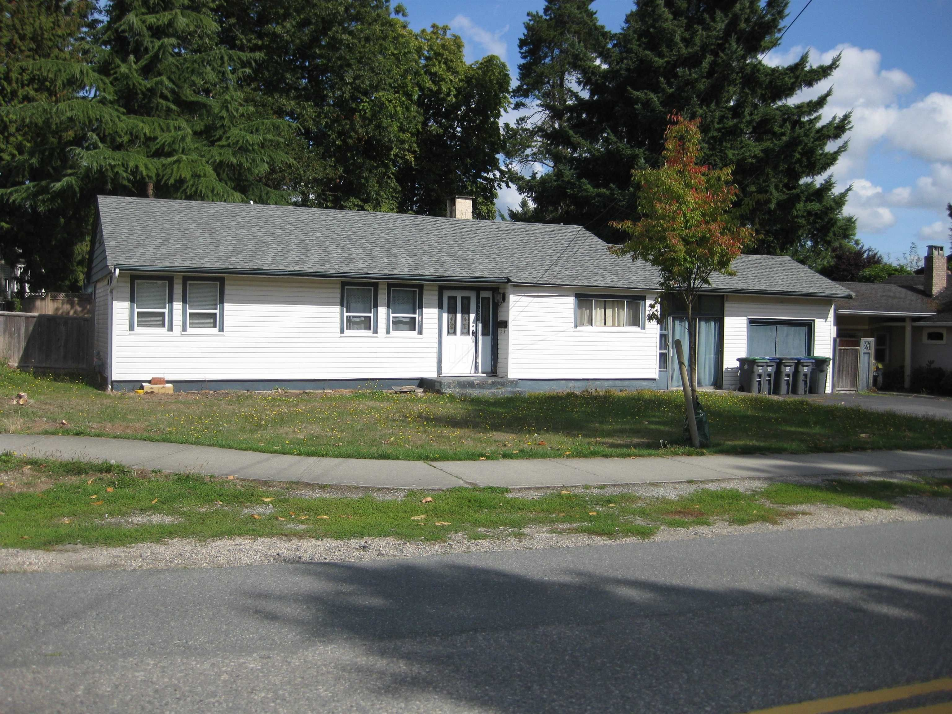 Main Photo: 17287 58 Avenue in Surrey: Cloverdale BC House for sale (Cloverdale)  : MLS®# R2618367