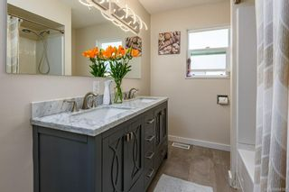 Photo 7: 2045 Beaufort Ave in : CV Comox (Town of) House for sale (Comox Valley)  : MLS®# 884580
