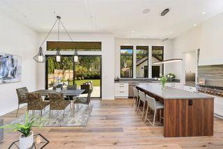 Photo 4: 2373 Zela St in Oak Bay: OB South Oak Bay House for sale : MLS®# 844110