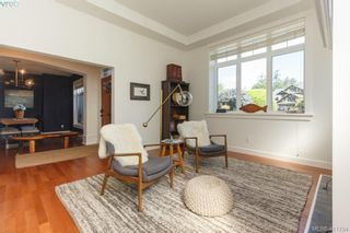Photo 4: 4039 South Valley Dr in VICTORIA: SW Strawberry Vale House for sale (Saanich West)  : MLS®# 816381