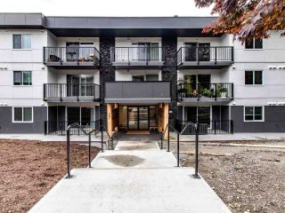 """Photo 5: 208 357 E 2ND Street in North Vancouver: Lower Lonsdale Condo for sale in """"Hendricks"""" : MLS®# R2470726"""
