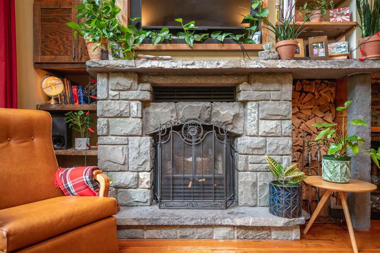 Photo 9: Photos: 41645 GOVERNMENT Road in Squamish: Brackendale House for sale : MLS®# R2515345