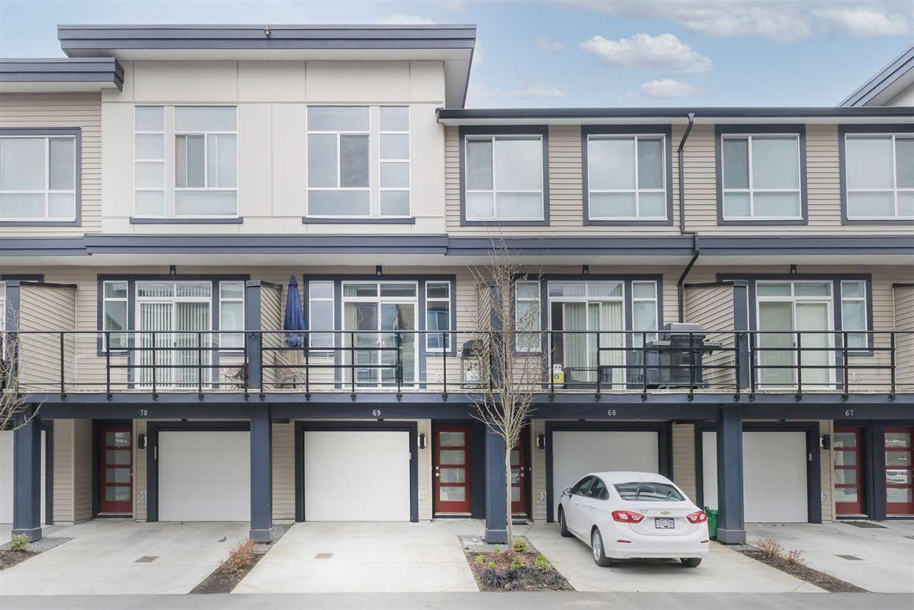 "Main Photo: 69 8413 MIDTOWN Way in Chilliwack: Chilliwack W Young-Well Townhouse for sale in ""MIDTOWN"" : MLS®# R2555812"