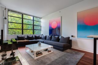 """Photo 1: 305 2828 YEW Street in Vancouver: Kitsilano Condo for sale in """"Bel-Air"""" (Vancouver West)  : MLS®# R2602736"""