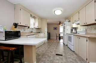 """Photo 3: 48 9960 WILSON Street in Mission: Stave Falls Manufactured Home for sale in """"Ruskin Mobile Home Park"""" : MLS®# R2357468"""