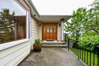 """Photo 3: 836 CHERRY Street in New Westminster: The Heights NW House for sale in """"Victory Heights"""" : MLS®# R2470973"""