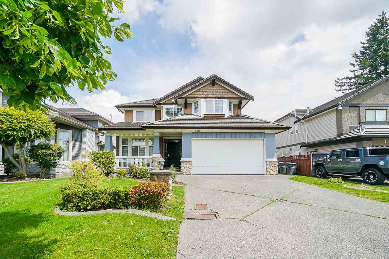 """Main Photo: 7310 146 Street in Surrey: East Newton House for sale in """"CHIMNEY HEIGHTS"""" : MLS®# R2465125"""
