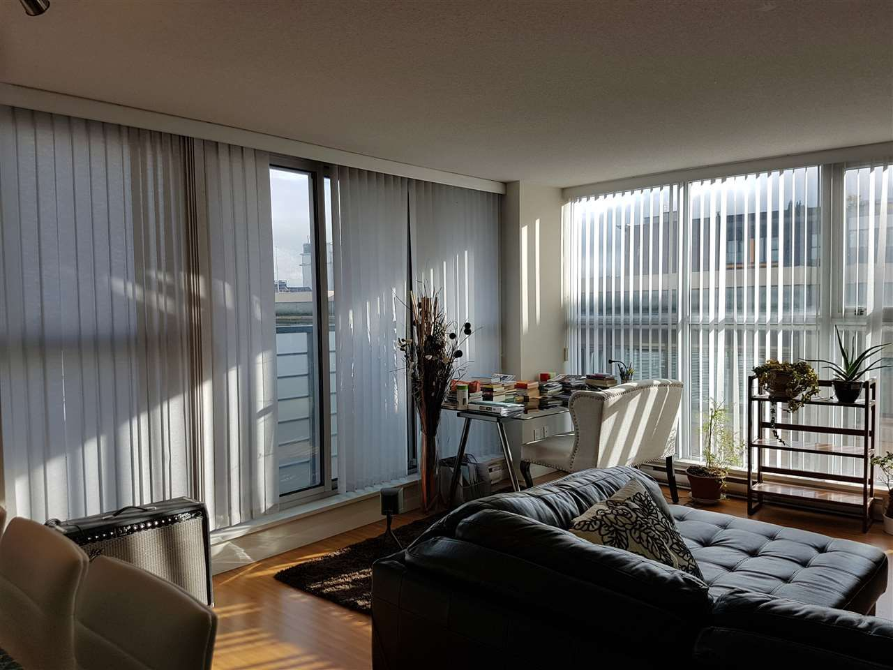 """Main Photo: 801 168 POWELL Street in Vancouver: Downtown VE Condo for sale in """"SMART"""" (Vancouver East)  : MLS®# R2234284"""