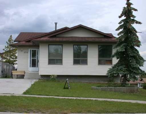 Main Photo:  in CALGARY: Beddington Residential Detached Single Family for sale (Calgary)  : MLS®# C3133692