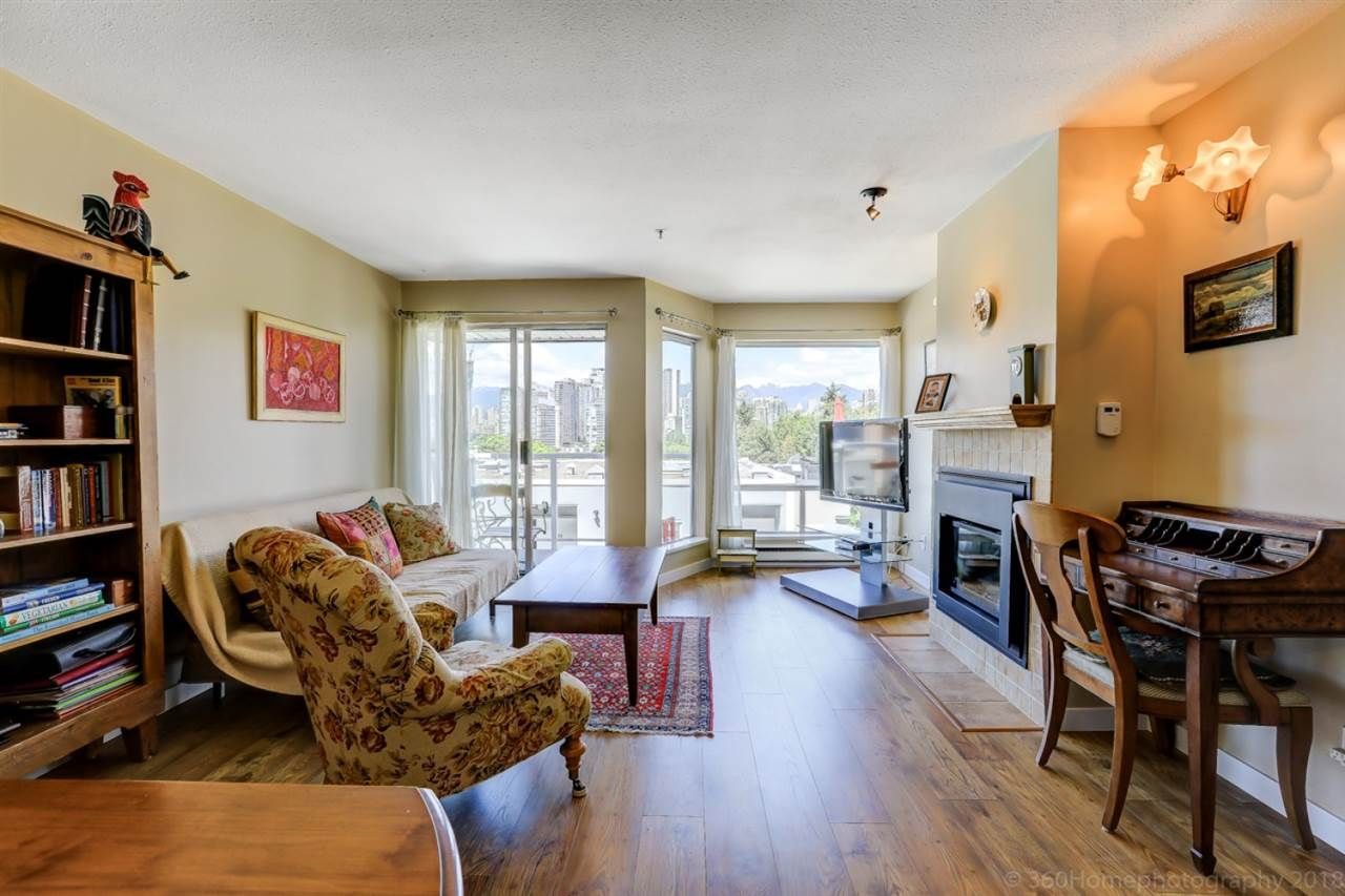 """Photo 3: Photos: 4 973 W 7TH Avenue in Vancouver: Fairview VW Condo for sale in """"SEAWINDS"""" (Vancouver West)  : MLS®# R2273280"""