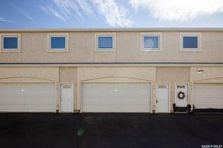 Photo 3: 438 Perehudoff Crescent in Saskatoon: Erindale Residential for sale : MLS®# SK871447
