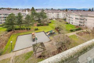 """Photo 11: 707 3489 ASCOT Place in Vancouver: Collingwood VE Condo for sale in """"Regent Court"""" (Vancouver East)  : MLS®# R2441538"""