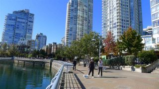 "Main Photo: 602 198 AQUARIUS Mews in Vancouver: Yaletown Condo for sale in ""AQUARIUS"" (Vancouver West)  : MLS®# R2075601"