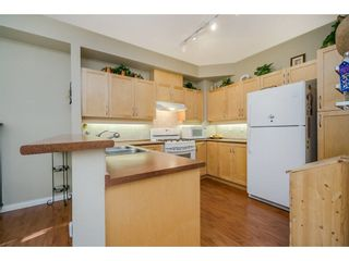 """Photo 9: 42 11860 RIVER Road in Surrey: Royal Heights Townhouse for sale in """"Cypress Ridge"""" (North Surrey)  : MLS®# R2216703"""