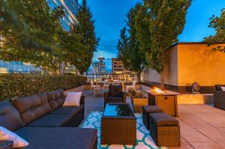 """Photo 2: 1017 788 RICHARDS Street in Vancouver: Downtown VW Condo for sale in """"L'HERMITAGE"""" (Vancouver West)  : MLS®# R2388898"""