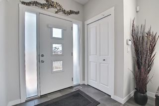 Photo 3: 393 Midtown Gate SW: Airdrie Row/Townhouse for sale : MLS®# A1097353