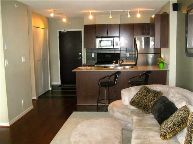 "Main Photo: 1905 938 SMITHE Street in Vancouver: Downtown VW Condo for sale in ""ELECTRIC AVENUE"" (Vancouver West)  : MLS®# V962647"