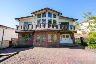 Photo 2: 3442 E 4TH Avenue in Vancouver: Renfrew VE House for sale (Vancouver East)  : MLS®# R2581450