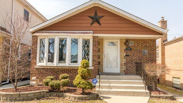Main Photo: 5240 Nagle Avenue in CHICAGO: CHI - Garfield Ridge Single Family Home for sale ()  : MLS®# MRD09910385