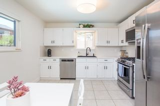 Photo 7: 5 CAMPION Court in Port Moody: Mountain Meadows House for sale : MLS®# R2615700