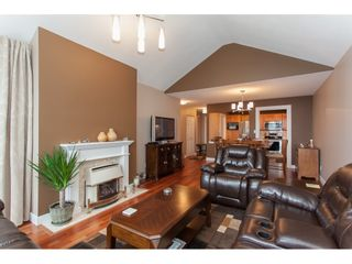 Photo 6: 309 20600 53A AVENUE in Langley: Langley City Condo for sale : MLS®# R2146902