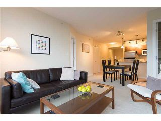"""Photo 6: 401 814 ROYAL Avenue in New Westminster: Downtown NW Condo for sale in """"NEWS NORTH"""" : MLS®# V1036016"""