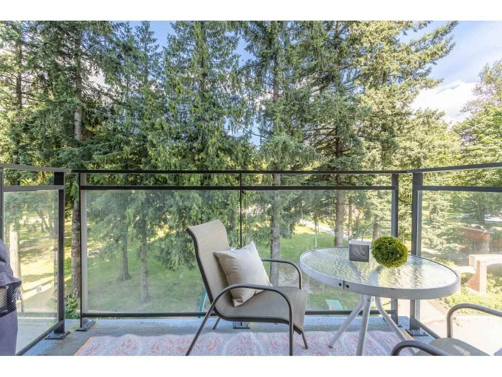 """Main Photo: 401 2789 SHAUGHNESSY Street in Port Coquitlam: Central Pt Coquitlam Condo for sale in """"""""THE SHAUGHNESSY"""""""" : MLS®# R2475869"""