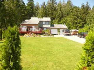 "Photo 1: 5465 WAKEFIELD Road in Sechelt: Sechelt District House for sale in ""WEST SECHELT"" (Sunshine Coast)  : MLS®# V724475"