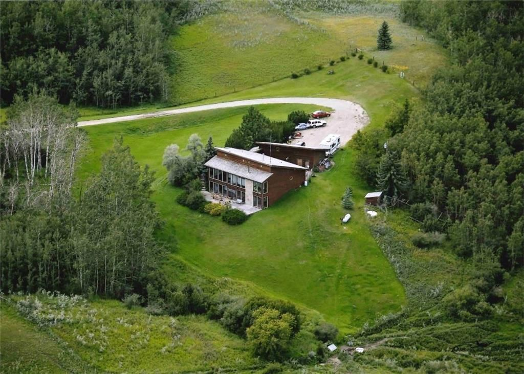 Main Photo: 242042 Township RD 264: Rural Wheatland County Detached for sale : MLS®# C4272839