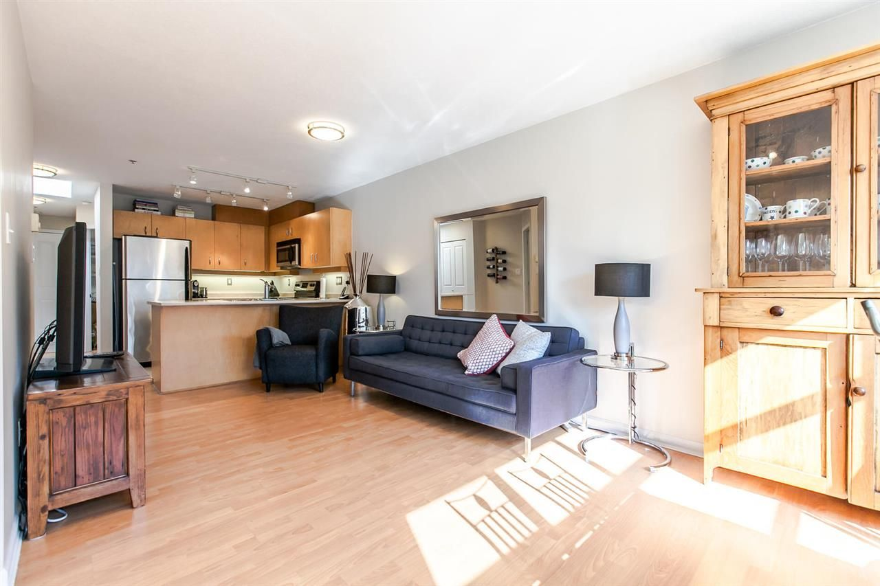 "Main Photo: 408 108 W ESPLANADE Avenue in North Vancouver: Lower Lonsdale Condo for sale in ""Tradewinds"" : MLS®# R2113779"