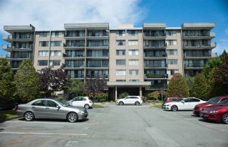 """Photo 2: 306 9300 PARKSVILLE Drive in Richmond: Boyd Park Condo for sale in """"MASTERS GREEN"""" : MLS®# R2375535"""