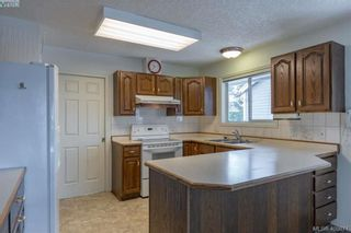 Photo 5: 3371 Mary Anne Cres in VICTORIA: Co Wishart South House for sale (Colwood)  : MLS®# 806532