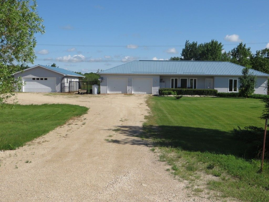Main Photo: 35025 Mission Road in RM Springfield: Single Family Detached for sale : MLS®# 1530362