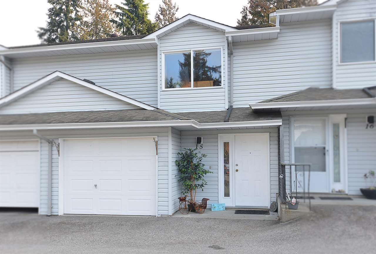 "Main Photo: 15 5706 EBBTIDE Street in Sechelt: Sechelt District Townhouse for sale in ""EBBTIDE VILLAGE"" (Sunshine Coast)  : MLS®# R2344209"