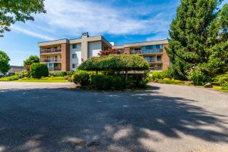 """Photo 2: 1320 45650 MCINTOSH Drive in Chilliwack: Chilliwack W Young-Well Condo for sale in """"PHEONIXDALE 1"""" : MLS®# R2555685"""