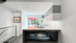 """Photo 12: 2180 W 8TH Avenue in Vancouver: Kitsilano Townhouse for sale in """"Canvas"""" (Vancouver West)  : MLS®# R2605836"""