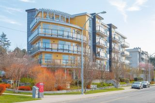 Photo 2: 307 935 Cloverdale Ave in : SE Quadra Condo for sale (Saanich East)  : MLS®# 871310
