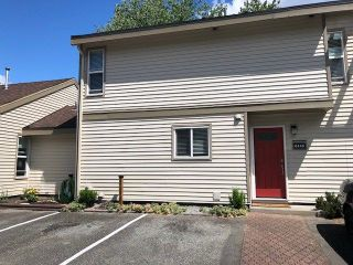 Photo 1: 6146 W GREENSIDE Drive in Surrey: Cloverdale BC Townhouse for sale (Cloverdale)  : MLS®# R2275639