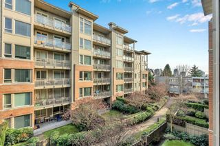 "Photo 25: 304 139 W 22ND Street in North Vancouver: Central Lonsdale Condo for sale in ""ANDERSON WALK"" : MLS®# R2526044"