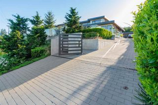 Photo 2: 657 ROSLYN Boulevard in North Vancouver: Dollarton House for sale : MLS®# R2583801